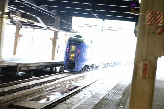 札幌駅 スーパーおおぞら-ズーム流し 流し撮り