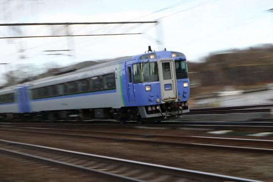 北海道 登別駅 キハ183 北斗-流し撮り ズーム流し