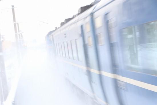 急行はまなす 回送-稲積公園駅 1番線 ズーム流し