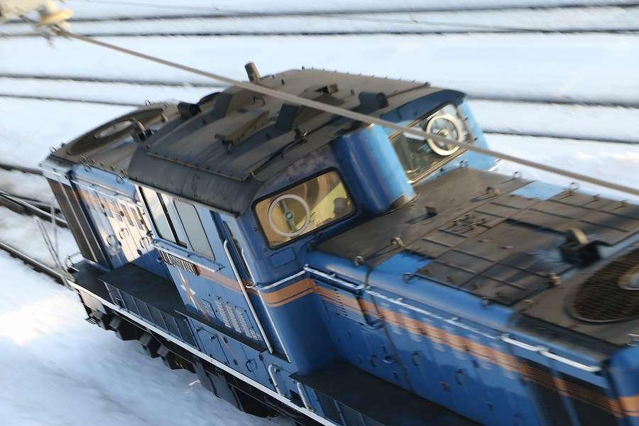 札幌運転所から札幌駅へ向うカシオペアを2箇所からお見送り-3月5日