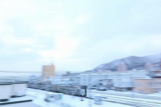 スローシャッター 1/8秒 流し撮り 手稲駅付近 789系