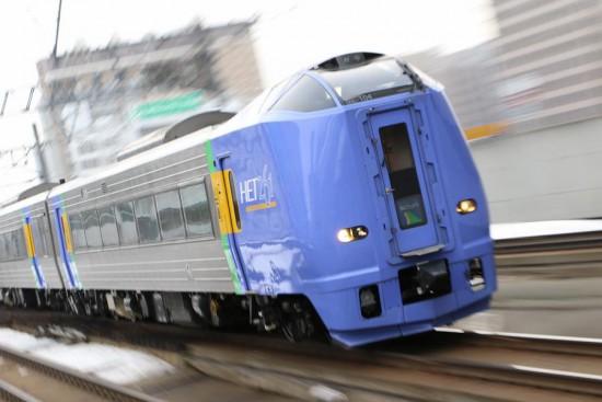 ズーム流し 札幌駅-キハ261 100番代