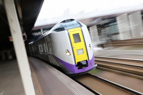 ズーム流し スローシャッター 札幌駅