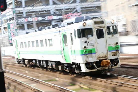 ズーム流し 流し撮り 札幌駅-キハ40 402