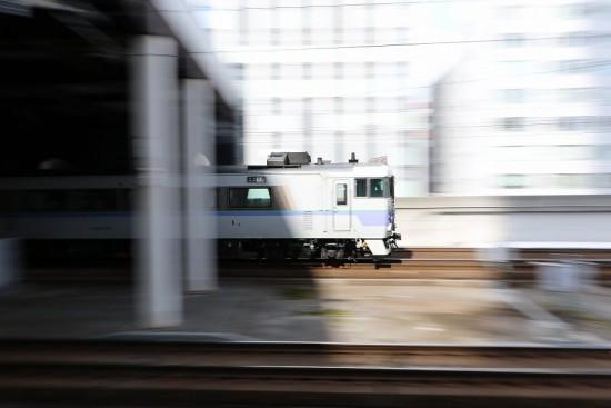 流し撮り 札幌駅-オホーツク 白ボウズ