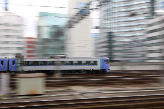 流し撮り 札幌駅 71D-オホーツク1号 キハ183 1554
