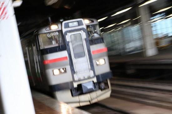 千歳行き 普通列車 731系
