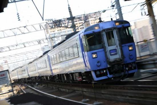 ズーム流し 流し撮り 北斗 札幌駅