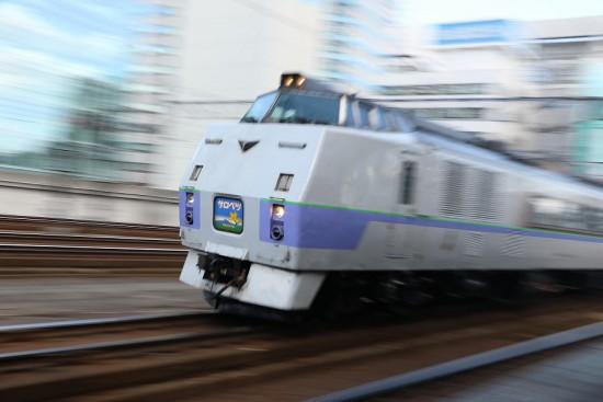 ズーム流し 流し撮り スラントノーズ サロベツ-キハ183系 札幌駅