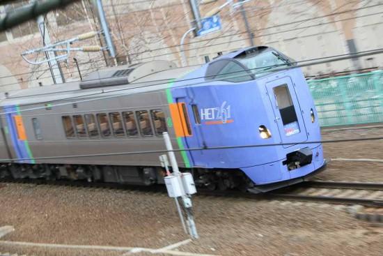 流し撮り 列車 札幌 スーパーとかち 10両編成 キハ261系1000番代