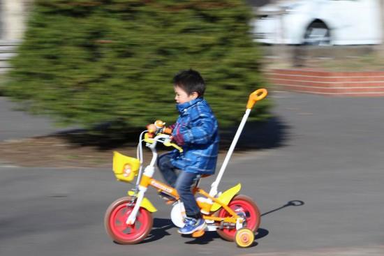 子供 自転車 流し撮り