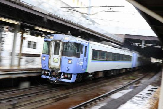 ズーム流し 流し撮り 札幌駅 オホーツク