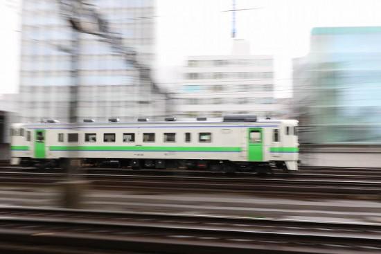 流し撮り 失敗 汽車 札幌駅