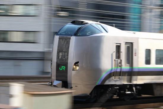 ズーム流し 流し撮り 札幌駅-789系