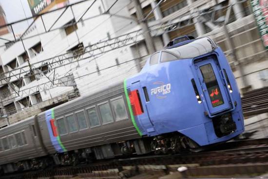 ズーム流し 流し撮り 札幌駅 曇り スーパーおおぞら
