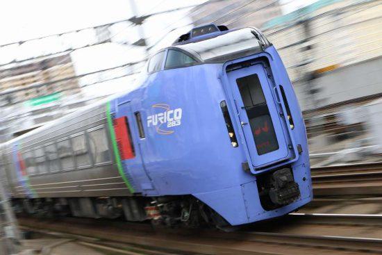 スーパーおおぞら4号 ズーム流し 列車 札幌駅