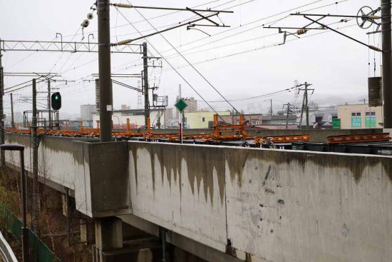 DE15 2513 チキ 稲積公園駅