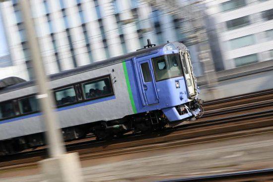 流し撮り 札幌駅 オホーツク キハ183系