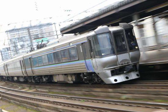 流し撮り 札幌駅 電車 列車 785系