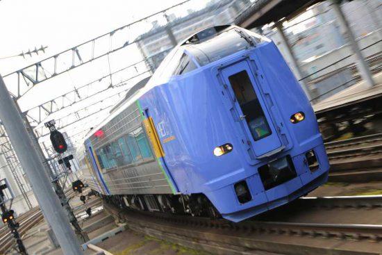 流し撮り ズーム流し 札幌駅 列車 261系