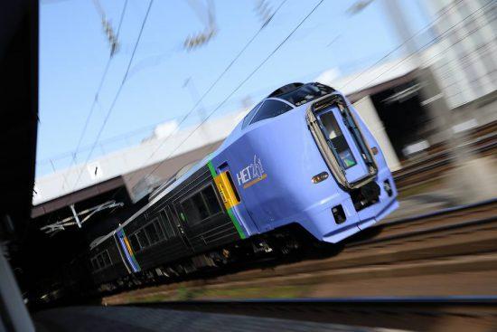 ズーム流し 流し撮り 列車 札幌駅 スーパー宗谷