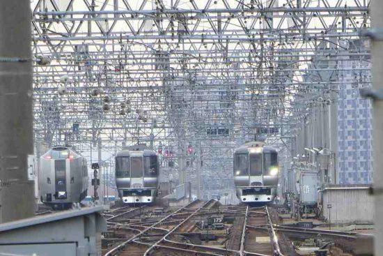 札幌駅 横並び