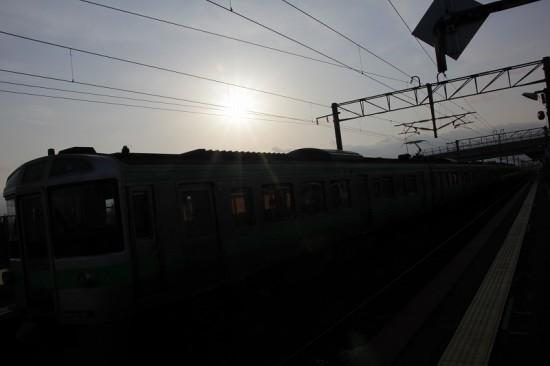 列車 電写 逆光 シルエット影