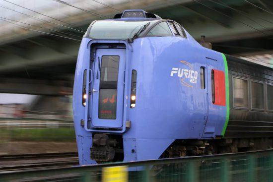 ズーム流し 流し撮り 列車 JR キハ283系