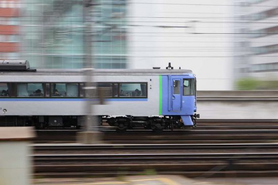 流し撮り 札幌駅 駅構内 キハ183系 オホーツク