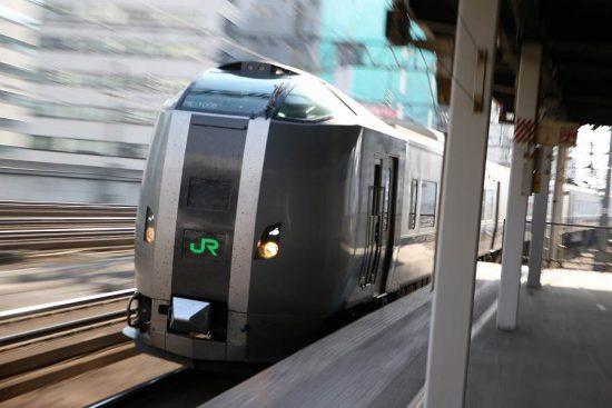 ズーム流し 札幌駅 789系すずらん