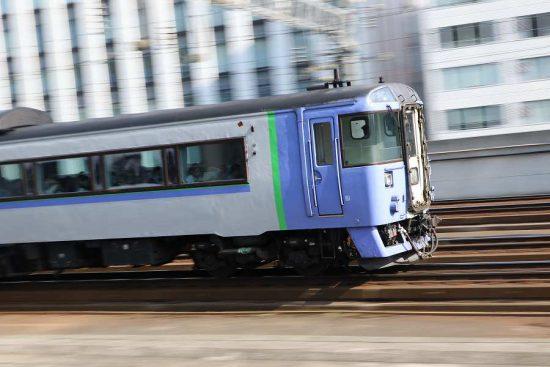 流し撮り 札幌駅 オホーツク 71D キハ183 1551