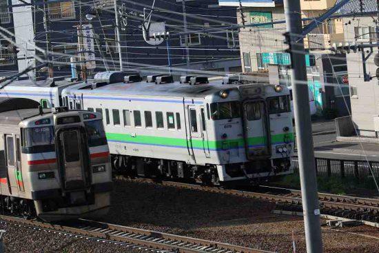 キハ40 731系 すれ違い 屋根