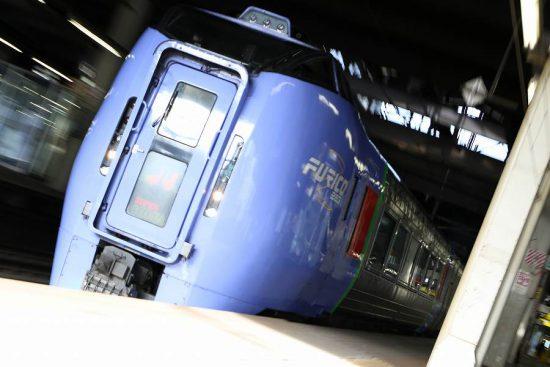 ズーム流し 流し撮り 札幌駅 スーパーおおぞら