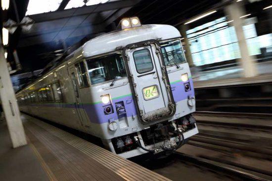 特急オホーツク 白ボウズ キハ183-104 札幌駅 8番線