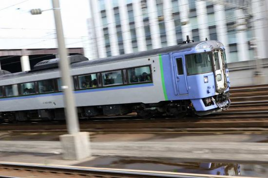 流し撮り 札幌駅 特急オホーツク