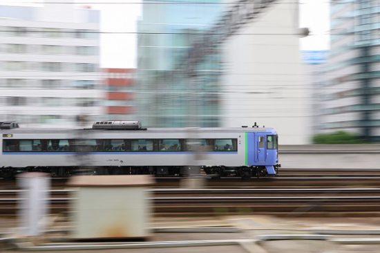 流し撮り 列車 札幌駅 71D 特急オホーツク