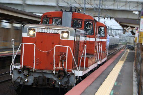 赤機関車重連 DE10174+DE DE+DE