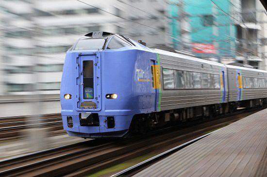 スローシャッター ズーム流し 列車 スーパー宗谷 札幌駅