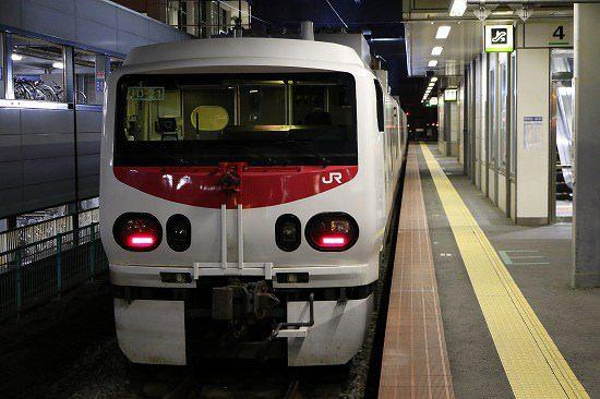 夜 駅 列車 駅 イーストアイ Easti