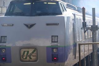 いつもと変わらない朝の札幌駅と6両編成のスーパー宗谷の帰りの時間