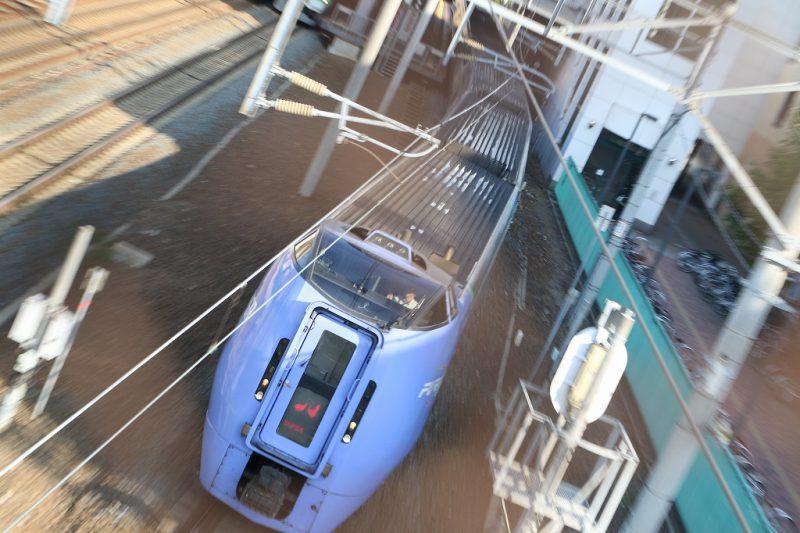 上から流し撮り 列車 キハ283系