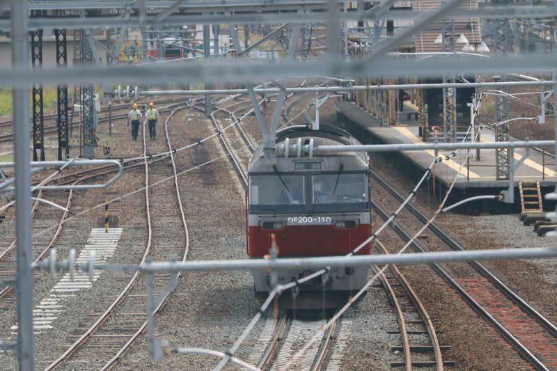 DF200-110 苗穂人道橋 本線側