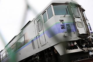 苗穂ストレートを全力で走る特急列車を流し撮る楽しい時間