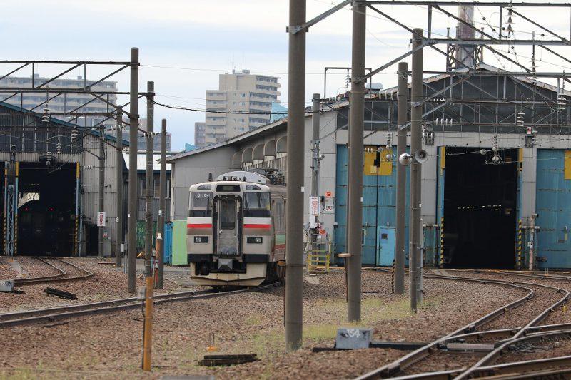 札幌運転所 真ん中・右側車庫