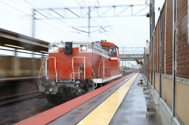 赤機関車 単機 DE152515