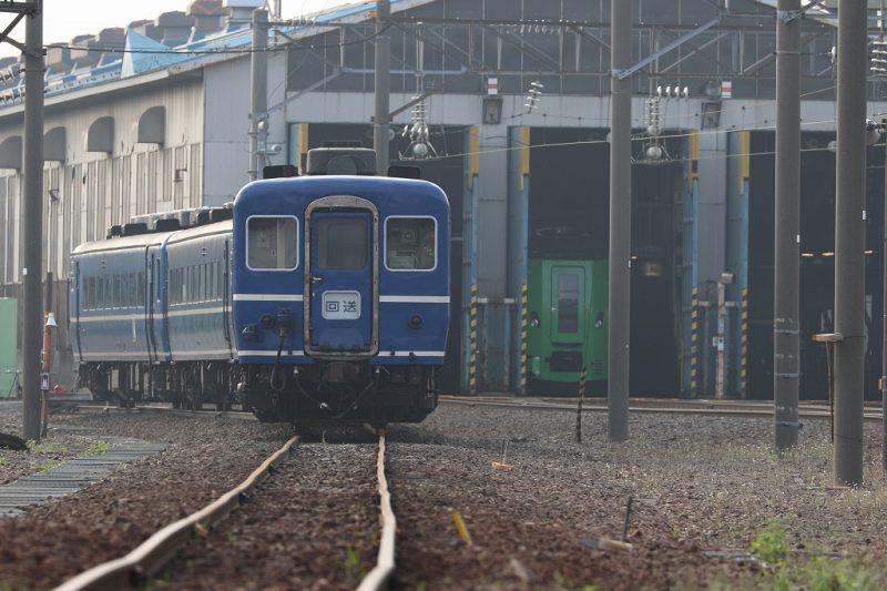 札幌運転所 車庫前