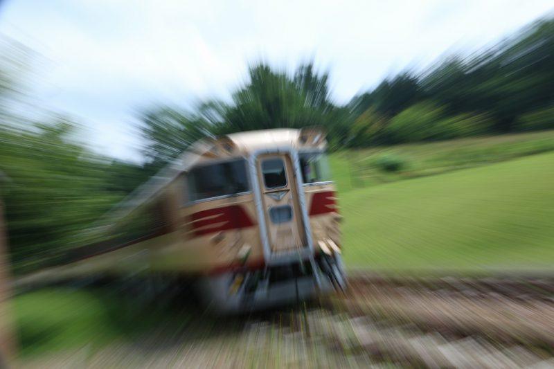 ズーミング流し 列車 ズーム スローシャッター
