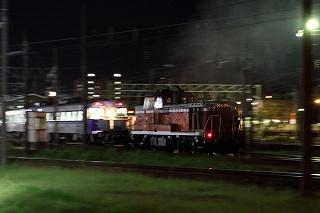 いつもの場所と札幌運転所で夜間撮影-夜に動いたDE101742