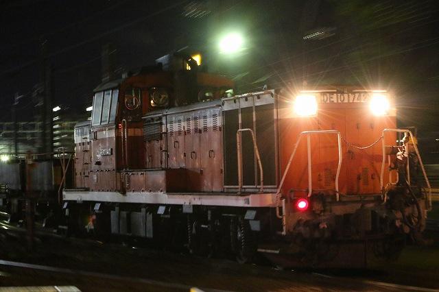 夜間撮影 夜の札幌運転所 DE10 ズーム流し 流し撮り 機関車