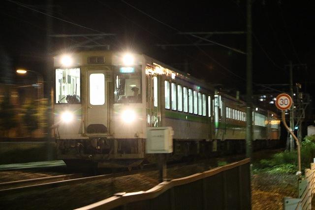 夜間撮影 列車 キハ150 キハ40